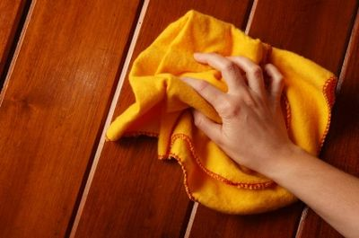 http://woodenfurniturehub.com/wp-content/uploads/2012/08/how-to-clean-wooden-furniture-naturally.jpg